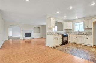 Photo 2: PARADISE HILLS House for sale : 5 bedrooms : 6066 Reo Pl in San Diego