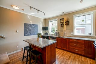 Photo 3: 78 688 EDGAR Avenue in Coquitlam: Coquitlam West Townhouse for sale : MLS®# R2506046