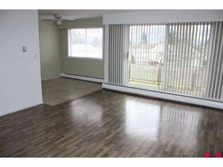 Photo 4: 301 46165 GORE Avenue in Chilliwack: Chilliwack E Young-Yale Condo for sale : MLS®# H1100955