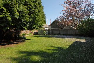 "Photo 9: 12332 24TH Avenue in Surrey: Crescent Bch Ocean Pk. 1/2 Duplex for sale in ""Ocean Park/Crescent Beach"" (South Surrey White Rock)  : MLS®# F1112311"
