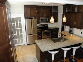 Photo 5: 417 Oxford Street in WINNIPEG: River Heights / Tuxedo / Linden Woods Residential for sale (South Winnipeg)  : MLS®# 1109536
