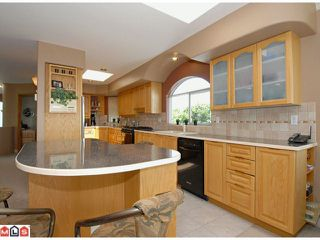 "Photo 5: 15552 COLUMBIA Avenue: White Rock House for sale in ""East Beach"" (South Surrey White Rock)  : MLS®# F1114250"
