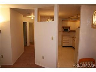 Photo 6: 104 1436 Harrison St in VICTORIA: Vi Downtown Condo for sale (Victoria)  : MLS®# 586153