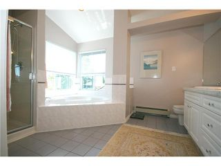 """Photo 9: 1836 GOLF CLUB Drive in Tsawwassen: Cliff Drive House for sale in """"IMPERIAL VILLAGE"""" : MLS®# V924989"""