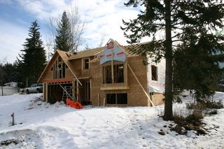 Photo 2: 1490 SE 9 Avenue in Salmon Arm: Hillcrest Residential Detached for sale : MLS®# 10042478