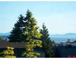 Photo 1: 403 1521 George Street in Surrey: White Rock Condo for sale (South Surrey White Rock)  : MLS®# F2905669