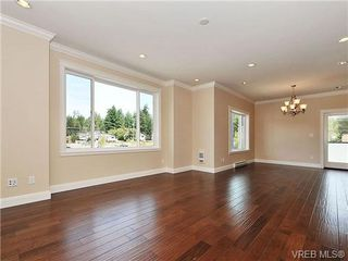 Photo 4: 991 RATTANWOOD Pl in VICTORIA: La Happy Valley Single Family Detached for sale (Langford)  : MLS®# 655783