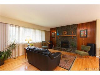 Photo 3: 4377 Columbia Dr in VICTORIA: SE Gordon Head House for sale (Saanich East)  : MLS®# 659753