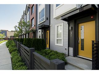 """Photo 2: 30 6868 BURLINGTON Avenue in Burnaby: Metrotown Townhouse for sale in """"METRO"""" (Burnaby South)  : MLS®# V1068449"""