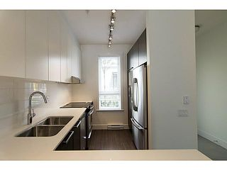 """Photo 4: 30 6868 BURLINGTON Avenue in Burnaby: Metrotown Townhouse for sale in """"METRO"""" (Burnaby South)  : MLS®# V1068449"""