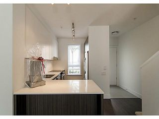 """Photo 6: 30 6868 BURLINGTON Avenue in Burnaby: Metrotown Townhouse for sale in """"METRO"""" (Burnaby South)  : MLS®# V1068449"""