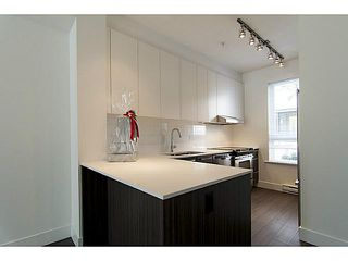 """Photo 5: 30 6868 BURLINGTON Avenue in Burnaby: Metrotown Townhouse for sale in """"METRO"""" (Burnaby South)  : MLS®# V1068449"""