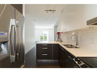 """Photo 3: 30 6868 BURLINGTON Avenue in Burnaby: Metrotown Townhouse for sale in """"METRO"""" (Burnaby South)  : MLS®# V1068449"""