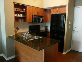 Photo 6: 120 Dallimore Circ Unit #105 in Toronto: Banbury-Don Mills Condo for lease (Toronto C13)