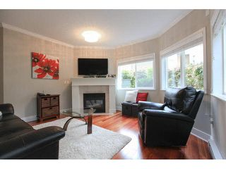 """Photo 4: 105 1630 154 Street in Surrey: King George Corridor Condo for sale in """"CARLTON COURT"""" (South Surrey White Rock)  : MLS®# F1438775"""
