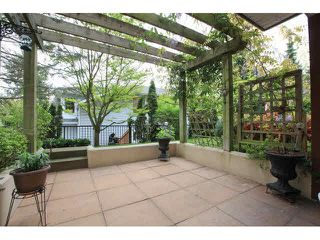 """Photo 17: 105 1630 154 Street in Surrey: King George Corridor Condo for sale in """"CARLTON COURT"""" (South Surrey White Rock)  : MLS®# F1438775"""