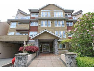 """Photo 1: 105 1630 154 Street in Surrey: King George Corridor Condo for sale in """"CARLTON COURT"""" (South Surrey White Rock)  : MLS®# F1438775"""