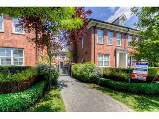 """Main Photo: 755 W 42ND Avenue in Vancouver: Oakridge VW Townhouse for sale in """"TOWNE 2"""" (Vancouver West)  : MLS®# V1123945"""