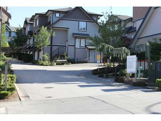 """Photo 1: 37 14462 61A Avenue in Surrey: Sullivan Station Townhouse for sale in """"RAVINA"""" : MLS®# F1444096"""