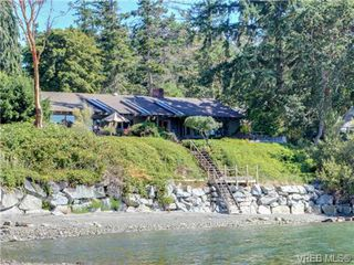 Photo 3: 725 Towner Park Road in NORTH SAANICH: NS Deep Cove Single Family Detached for sale (North Saanich)  : MLS®# 354990