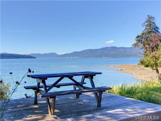 Photo 7: 725 Towner Park Road in NORTH SAANICH: NS Deep Cove Single Family Detached for sale (North Saanich)  : MLS®# 354990