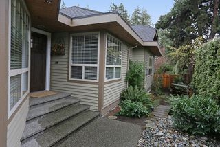 "Photo 2: 5748 168TH Street in Surrey: Cloverdale BC House for sale in ""RICHARDSON RIDGE"" (Cloverdale)  : MLS®# R2024526"