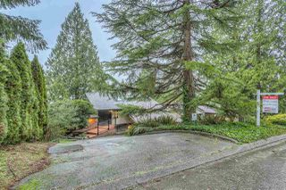 "Photo 2: 654 FORESTHILL Place in Port Moody: North Shore Pt Moody House for sale in ""NORTH SHORE PORT MOODY"" : MLS®# R2044363"