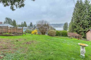 "Photo 20: 654 FORESTHILL Place in Port Moody: North Shore Pt Moody House for sale in ""NORTH SHORE PORT MOODY"" : MLS®# R2044363"