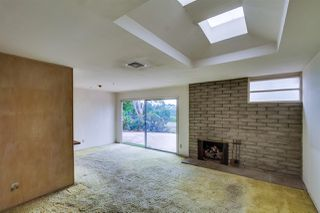 Photo 4: CLAIREMONT House for sale : 3 bedrooms : 3262 Via Bartolo in San Diego