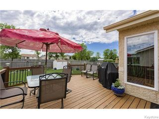 Photo 3: 32 Eastmount Drive in Winnipeg: St Vital Residential for sale (South East Winnipeg)  : MLS®# 1615509