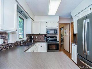 Photo 10: 323 Wathaman Place in Saskatoon: Lawson Heights Single Family Dwelling for sale (Saskatoon Area 03)  : MLS®# 577345