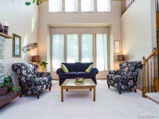 Photo 3: 323 Wathaman Place in Saskatoon: Lawson Heights Single Family Dwelling for sale (Saskatoon Area 03)  : MLS®# 577345