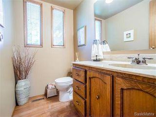 Photo 12: 323 Wathaman Place in Saskatoon: Lawson Heights Single Family Dwelling for sale (Saskatoon Area 03)  : MLS®# 577345