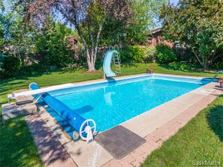 Photo 37: 323 Wathaman Place in Saskatoon: Lawson Heights Single Family Dwelling for sale (Saskatoon Area 03)  : MLS®# 577345
