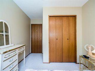 Photo 21: 323 Wathaman Place in Saskatoon: Lawson Heights Single Family Dwelling for sale (Saskatoon Area 03)  : MLS®# 577345