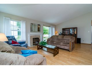 "Photo 5: 8 6537 138 Street in Surrey: East Newton Townhouse for sale in ""Charleston Green"" : MLS®# R2105934"