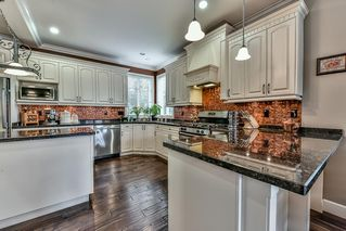 """Photo 7: 7110 199 Street in Langley: Willoughby Heights House for sale in """"WILLOUGHBY"""" : MLS®# R2118344"""