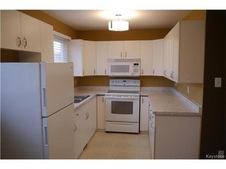 Photo 3: 2 Lake Fall Place in Winnipeg: Waverley Heights Residential for sale (1L)  : MLS®# 1625936