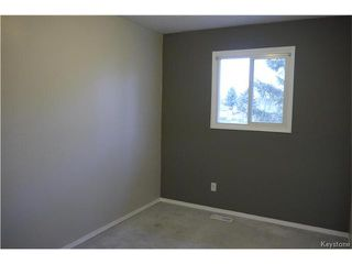 Photo 8: 2 Lake Fall Place in Winnipeg: Waverley Heights Residential for sale (1L)  : MLS®# 1625936