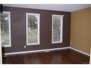 Photo 2: 2 Lake Fall Place in Winnipeg: Waverley Heights Residential for sale (1L)  : MLS®# 1625936