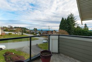 Photo 3: 1515 KERFOOT Road: White Rock House for sale (South Surrey White Rock)  : MLS®# R2133115