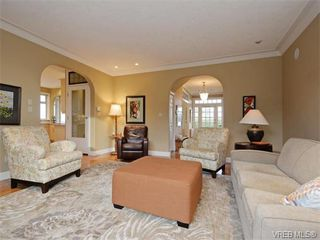 Photo 2: 2177 Newman Rd in SAANICHTON: CS Saanichton House for sale (Central Saanich)  : MLS®# 750019