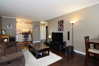 "Photo 5: 402 215 MOWAT Street in New Westminster: Uptown NW Condo for sale in ""CEDAR HILL MANOR"" : MLS®# R2166746"