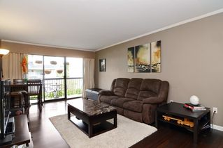 "Photo 2: 402 215 MOWAT Street in New Westminster: Uptown NW Condo for sale in ""CEDAR HILL MANOR"" : MLS®# R2166746"