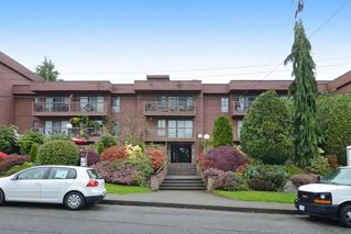 "Photo 1: 402 215 MOWAT Street in New Westminster: Uptown NW Condo for sale in ""CEDAR HILL MANOR"" : MLS®# R2166746"