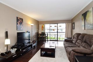"Photo 3: 402 215 MOWAT Street in New Westminster: Uptown NW Condo for sale in ""CEDAR HILL MANOR"" : MLS®# R2166746"
