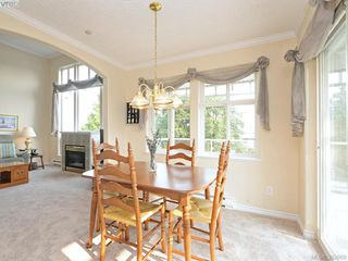 Photo 6: 302 1663 McKenzie Ave in VICTORIA: SE Mt Tolmie Condo for sale (Saanich East)  : MLS®# 767665