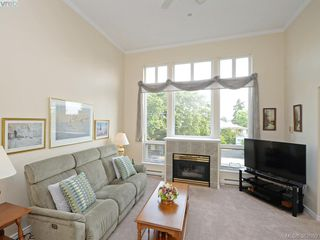 Photo 4: 302 1663 McKenzie Ave in VICTORIA: SE Mt Tolmie Condo for sale (Saanich East)  : MLS®# 767665