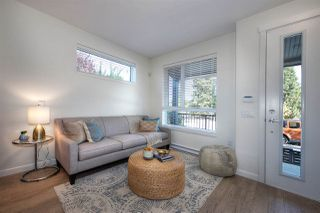Photo 4: 5283 NANAIMO Street in Vancouver: Victoria VE Townhouse for sale (Vancouver East)  : MLS®# R2210902