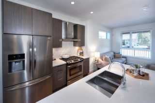 Photo 8: 5283 NANAIMO Street in Vancouver: Victoria VE Townhouse for sale (Vancouver East)  : MLS®# R2210902